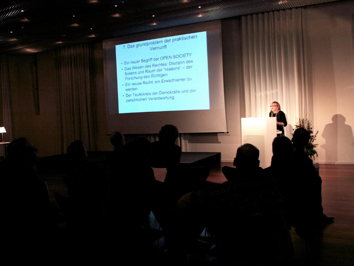 Lecture De Monticelli